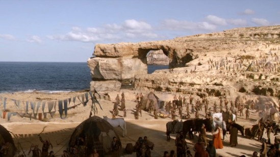 Game of Thrones @ Azure Window S01E01 (3)